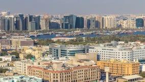 Vogelperspektive der Nachbarschaft Deira mit typischem Geb?ude timelapse, Dubai, Arabische Emirate stock video