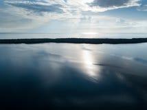 Vogelperspektive der ruhigen Lagune in Belize Lizenzfreies Stockbild