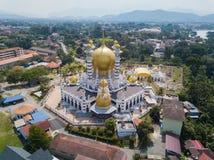 Vogelperspektive der schönen Moschee in Kuala Kangsar, Malaysia stockbild