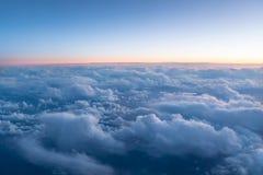 Vogelperspektive der Schicht der oberen cloudÂs lizenzfreie stockfotografie