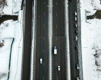 Vogelperspektive der schneebedeckten Straße des Winters in Moskau Lizenzfreies Stockfoto