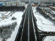Vogelperspektive der schneebedeckten Straße des Winters in Moskau Lizenzfreies Stockbild