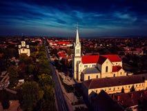 Vogelperspektive der Stadt mit Kirchen im Hintergrund Stockbild