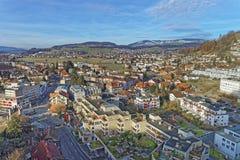 Vogelperspektive der Stadt und der Berge Thun Stockbilder