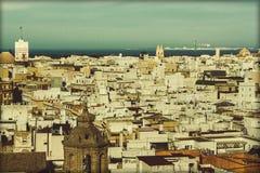 Vogelperspektive der Stadt von Cadiz stockbilder