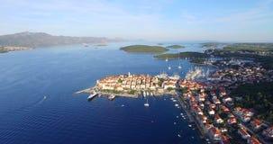 Vogelperspektive der Stadt von Korcula, Kroatien stock footage