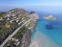 Vogelperspektive, der Strand in Sardinien, haarscharfes Wasser, Italien Lizenzfreies Stockbild