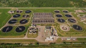 Vogelperspektive der Wasserbehandlungsanlage Stockbild