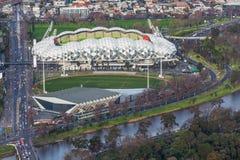 Vogelperspektive des AAMI-Parkstadions und Holden zentrieren Stockfotos