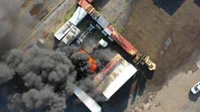 Vogelperspektive des Behälter-Feuers Philadelphia Marine Terminal stock video footage