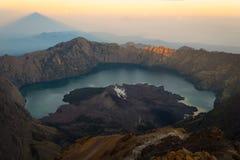 Vogelperspektive des Bergs Rinjani stockfotografie