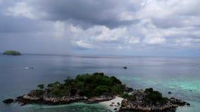 Vogelperspektive des ?berraschens von Koh Kra-Insel in Thailand stock video footage
