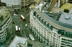 Vogelperspektive des doppelstöckigen Busses auf London-Straßen Lizenzfreies Stockbild