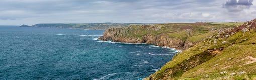 Vogelperspektive des Endes des Landes in Cornwall Lizenzfreies Stockfoto