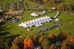 Vogelperspektive des Ereigniszeltes in Vermont. Stockfotografie