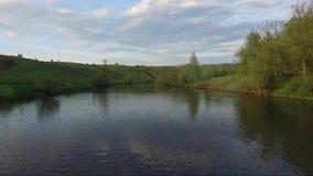 Vogelperspektive des Flusses stock video footage
