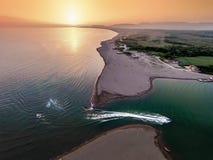 Vogelperspektive des Flusses Bojana und der Ada Bojana-Insel, Monte Lizenzfreies Stockbild