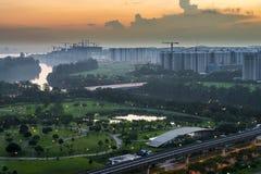 Vogelperspektive des Grüns und des Parks am Sozialwohnungszustand Lizenzfreie Stockfotos