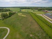 Vogelperspektive des Harmonieparks in Litauen- und Buchstabe` Litauen stockbild