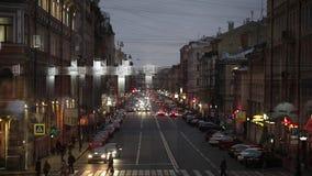 Vogelperspektive des Heiligen-Peterspurg, Auto-Verkehr, Russland stock footage
