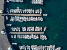 Vogelperspektive des Jachthafens Stockfotografie