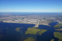 Vogelperspektive des Johns F Kennedy International Airport u. x28; JFK& x29; in New York lizenzfreie stockbilder