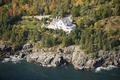 Vogelperspektive des Küstenhauses am Acadia-Nationalpark, Maine Lizenzfreie Stockfotografie