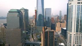 Vogelperspektive des Lower Manhattan, finanziell und des Geschäftsgebiets, New York City Brummen-Schuss stock video