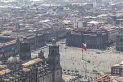 Vogelperspektive des mexikanischen zocalo mit Regierung und Kathedrale Lizenzfreie Stockbilder