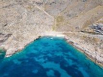 Vogelperspektive des rauen Ufers von Kea Tzia-Insel lizenzfreies stockfoto