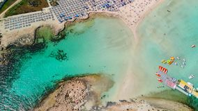 Vogelperspektive des sch?nen Strandes von Mittelmeer