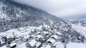 Vogelperspektive des Schnees bedeckte Stadt Lizenzfreies Stockfoto