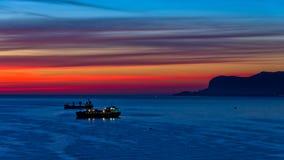 Vogelperspektive des Sonnenaufgangs an Palermo-Hafen, Sizilien lizenzfreies stockfoto