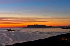Vogelperspektive des Sonnenaufgangs an Palermo-Hafen, Sizilien lizenzfreie stockfotos