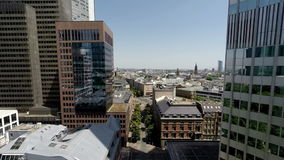 Vogelperspektive des Stadtskyline-Architekturhintergrundes stock video