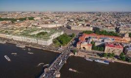 Vogelperspektive des Stadtzentrums in St Petersburg Lizenzfreie Stockfotos