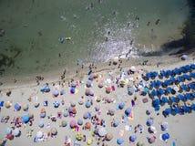 Vogelperspektive des Strandes in Katerini, Griechenland stockbild