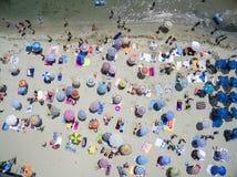 Vogelperspektive des Strandes in Katerini, Griechenland Lizenzfreies Stockfoto