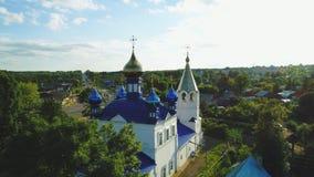 Vogelperspektive des Tempels in der russischen Stadt 4k stock video footage