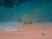Vogelperspektive des tropischen Strandes Lizenzfreie Stockfotos