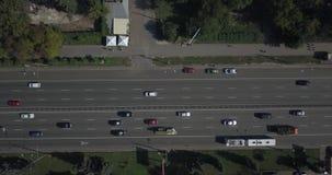 Vogelperspektive des Verkehrs in der städtischen Stadt Pixel 4k 4096 x 2160 stock video