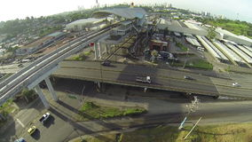 Vogelperspektive des Verkehrs des frühen Morgens auf Panama-Stadt stock video