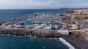 Vogelperspektive des Videos der Draufsicht 4K UHD Hafen Teneriffa-Kanarengirlitz Spanien-Brummens Stockbilder