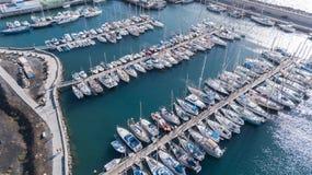 Vogelperspektive des Videos der Draufsicht 4K UHD Hafen Teneriffa-Kanarengirlitz Spanien-Brummens Lizenzfreies Stockbild