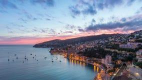 Vogelperspektive des Villefranche-sur-Mer auf Sonnenuntergang, Frankreich stock footage
