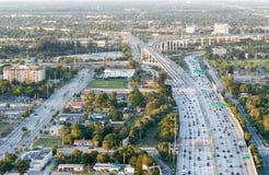 Vogelperspektive des zwischenstaatlichen Verkehrs Stockbild