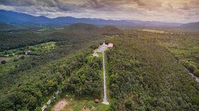 Vogelperspektive Doi-kadtempel von lamphun Stadt, Norden in Thailand stockfotografie