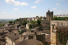 Vogelperspektive einer alten Stadt in Frankreich Lizenzfreie Stockbilder