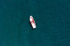 Vogelperspektive eines Bootes Stockfotos