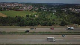Vogelperspektive eines deutschen Autobahn stock footage